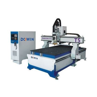 Picture of CNC Router wood cutting engraving machine